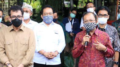 Photo of Bertemu Menparekraf, Gubernur Koster Tegaskan Bali Belum Buka Pariwisata untuk Wisatawan Internasional