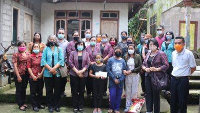 Photo of Dharma Wanita Persatuan Provinsi Bali Bantu Anak Yatim di Dusun Sukaluwih