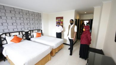 Photo of Kunker Ke Surabaya, Ketua Gugus Tugas Nasional Tinjau RS Darurat Covid-19