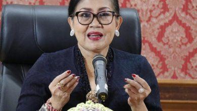 Photo of Krama Istri di Tengah Pandemi, Putri Koster: Kita Tebarkan Semangat Berpeluh Jangan Mengeluh