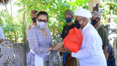 Photo of Bantu Kelompok Nelayan, Ny Putri Koster Tekankan Pentingnya Protokol Kesehatan