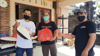 Photo of Tarik Kas Adat, Banjar Gaji Bagi Sembako Sambut Galungan