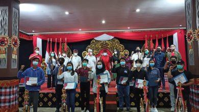 Photo of Penyerahan Hadiah Juara AMD Cup, AMD Diidolakan Milenial Berbagai Penjuru Indonesia