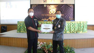 Photo of Gde Pramana Terima Engineering Award BKFT ke-55