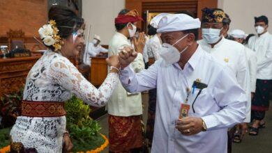Photo of Dua Srikandi PAW Dewan Denpasar Dilantik