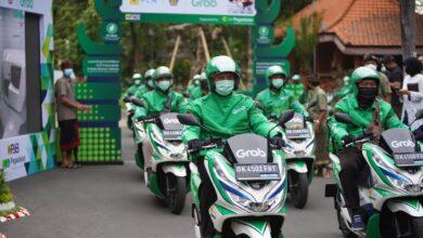 Photo of Grab Hadirkan Motor Listrik dan Stasiun Penukaran Baterai Umum di Bali