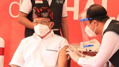 Photo of Koster Terima Suntikan Sinovac Pertama di Bali