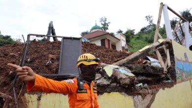 Photo of 28 Tewas, 12 Hilang, 1.020 Mengungsi Akibat Longsor Sumedang