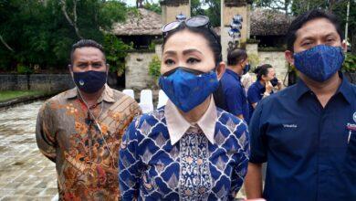 Photo of Keok di Pilkada 2020, Julie: Demi Rakyat Kami Tak Akan Mundur