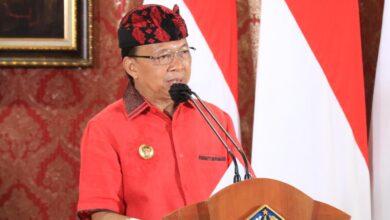 Photo of Mulai 23 Februari, Koster Imbau Pakai Tenun Endek Bali Tiap Selasa