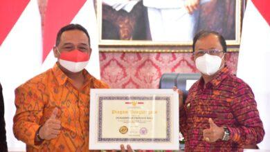 "Photo of Sumbang Devisa Rp 159,6 T, Koster Sebut PMI Bali ""Jemet"""