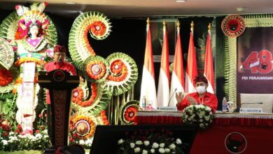 Photo of Koster Minta Desain Juara Motif Endek Bali Dipakai Busana Kerja