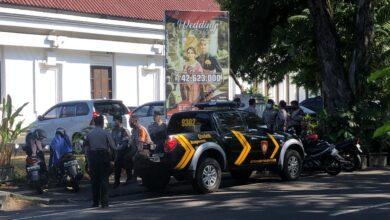 Photo of Lawan Putusan MA, Aparat Bubarkan Kongres Lemkari Abal-Abal