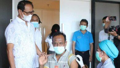 Photo of Sisakan 89 Kasus, Vaksinasi Badung Tembus 327.735 Dosis