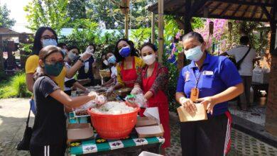 Photo of Dapur Umum Denpasar Siapkan 1.000 Nasi Per Hari