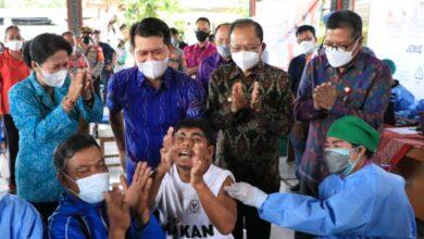 Photo of OJK-Pegadaian Gelar Vaksin Berhadiah Sembako