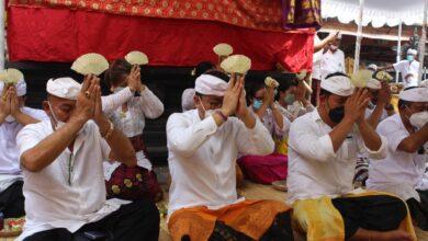 Photo of Pujawali Pura Kusuma Sari Pegok Tingkatkan Keharmonisan Warga