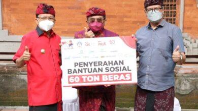 Photo of OJK Sumbang 60 Ton Beras ke Gubernur Bali