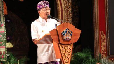 Photo of Pariwisata Dibuka, Koster Ajak Warga Bali Berdoa